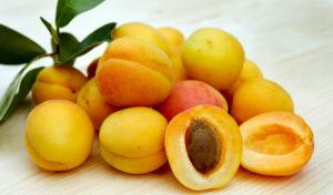 Apricots Fresh 2523272